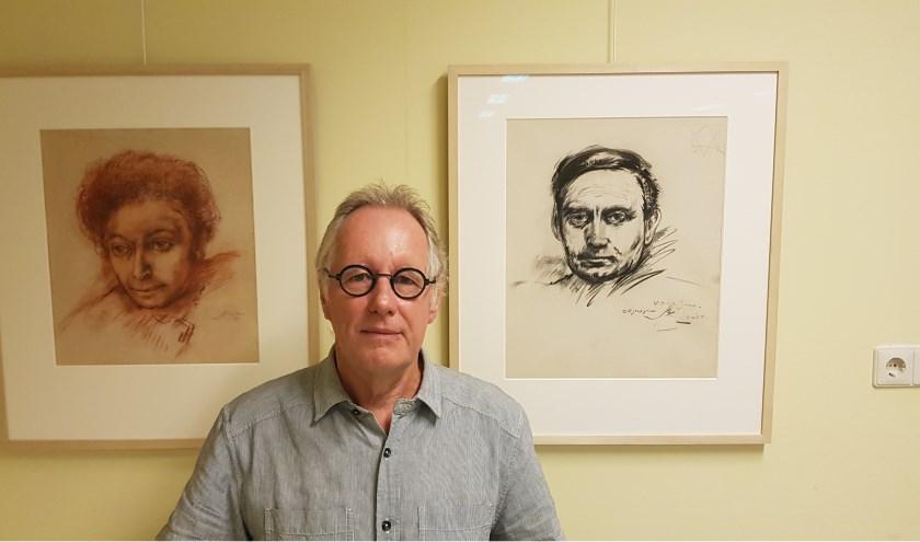 Sjoerd Kemeling in de museumfabriek waar ook een uitgebreide collectie van kunstschilder Max van Dam hangt. (Foto: Han van de Laar)