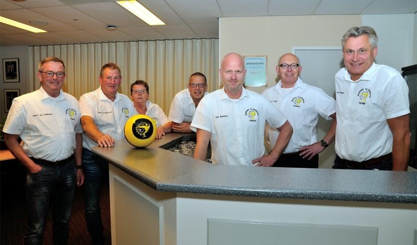 De leden van de organiserende  BET-commissie van VSCO'61 hopen op allereerste winst van eigen selectie. (Foto: D.van Dijk)