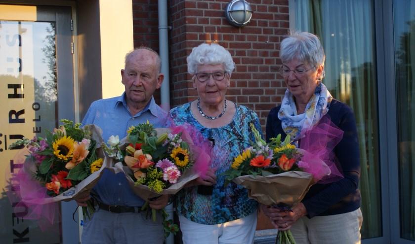 Van links naar rechts, dhr. Jan Somsen, mevr Henny Somsen- Luiten en mevr. Hetty Sabee-Stoevenbelt