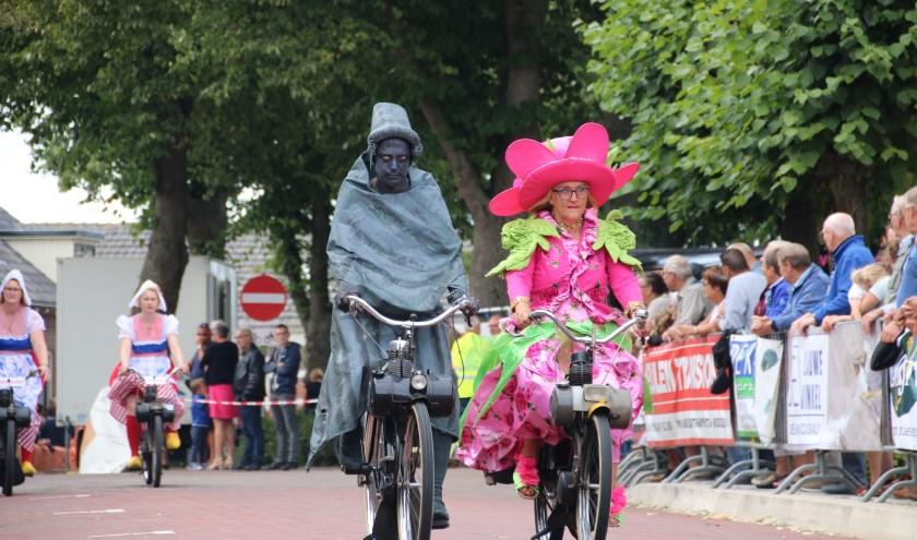 Zaterdag 17 augustus zullen de snelle specials, ludieke rijders en oldtimer brommers hun opwachting maken in Biggekerke. FOTO: PR