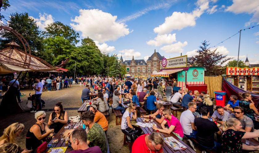 Kannen & Kruiken strijkt komend weekeinde voor een nieuwe editie weer neer in het Burgemeester Brouwerplantsoen.