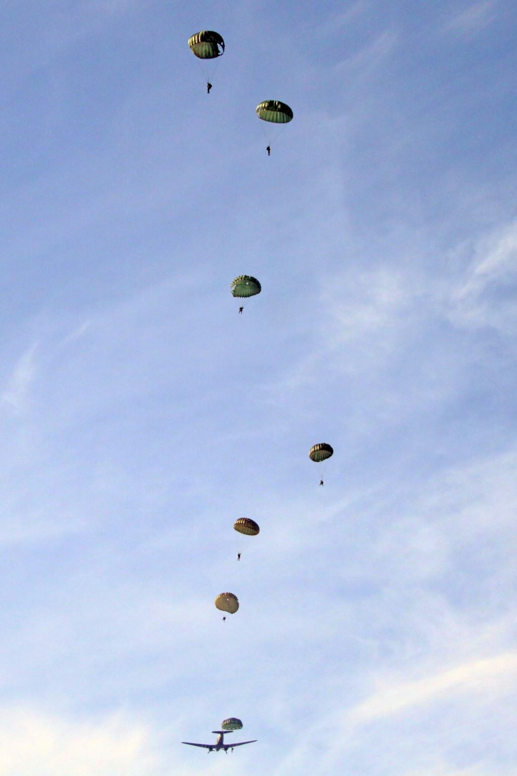 Foto: Lars Schwachöfer / Parachute Group Holland © Persgroep