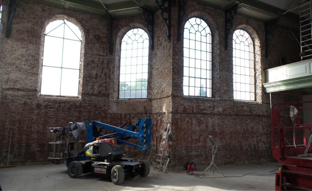 Er wordt groot materieel tijdens de restauratie gebruikt  © Persgroep