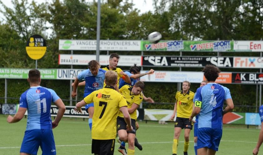 De wedstrijd tussen de organiserende vereniging VSCO'61 en de winnaar van vorig jaar van het Berend Elzerman Toernooi, SVI uit Zwolle.
