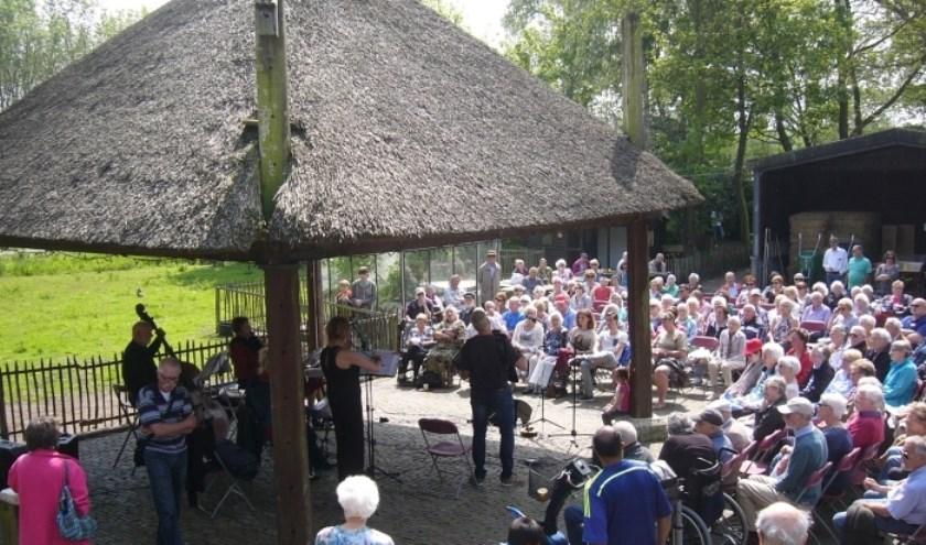 Zondag 11 augustus geeft Combo Scala een concert op kinderboerderij De Blijde Wei. (Foto: M. Gerritse)