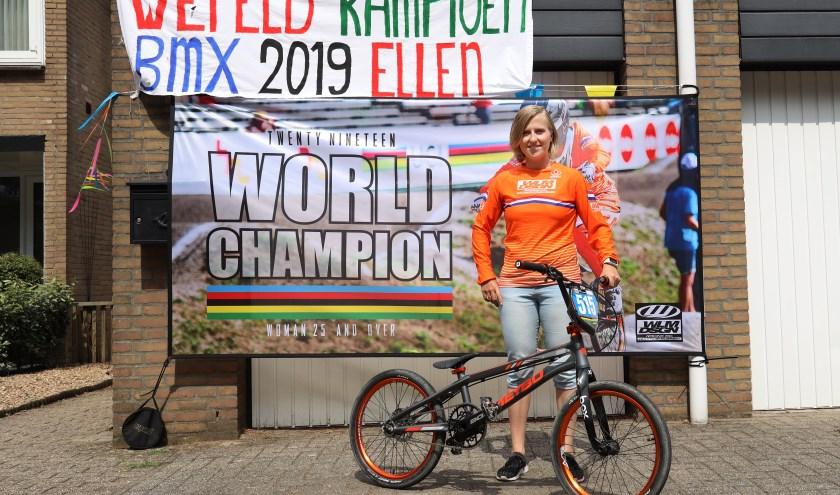 Ellen Jacobs uit Mill hield het hoofd koel, reed drie goede manches en won de finale. (foto: Marco van den Broek)