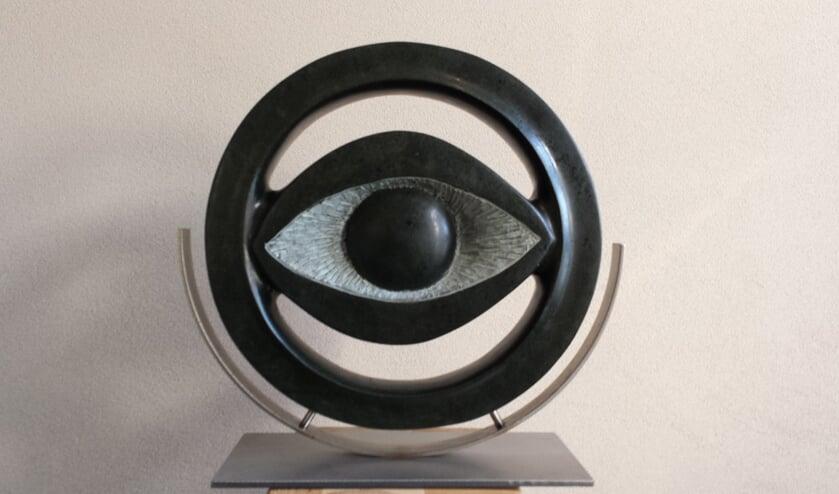 Een beeldhouwwerk van Cees van de Wijdeven     Fotonummer: e714e1