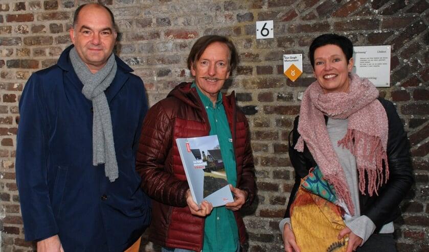 Vlnr: Frank van den Eijnden, Pieter Sanders en Monika Slaets     Fotonummer: 4c9b17