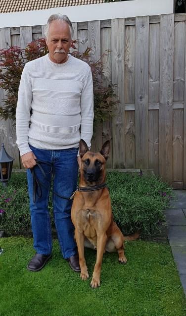 Jos van de Velden met politiehond 'Marco'    Fotonummer: 730f67