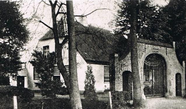 Huize 'Ribbius' met oude poort  | Fotonummer: b59fe4