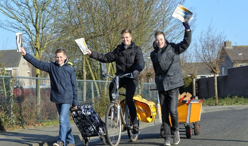 De broers Visser bezorgen al jarenlang DeMooiLaarbeekKrant in Lieshout     Fotonummer: 5f4e5e