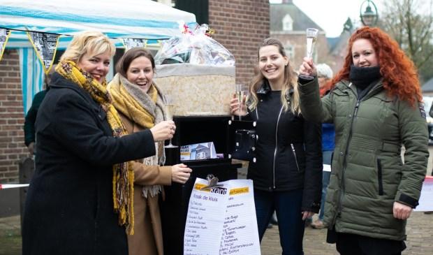Vlnr: Ria Tijssen, Nikki Barten, Iris van Kaathoven (winnaar) en Kristel Vereijken   | Fotonummer: 0de5b5