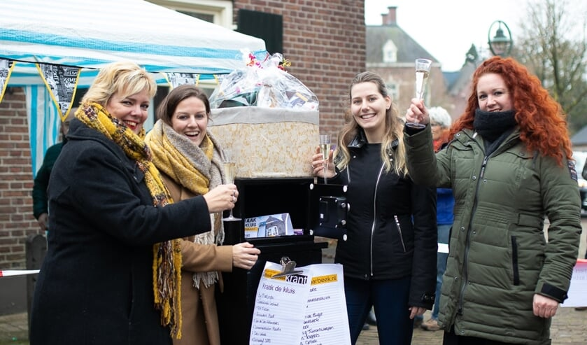 Vlnr: Ria Tijssen, Nikki Barten, Iris van Kaathoven (winnaar) en Kristel Vereijken     Fotonummer: 0de5b5