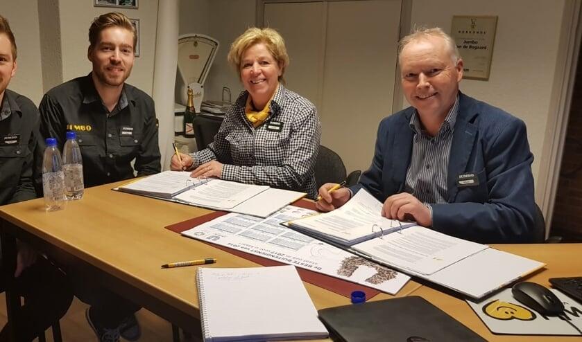 De familie Van den Bogaard. Vlnr: Stijn, Tom, Jeanne en Albert   | Fotonummer: 63b772