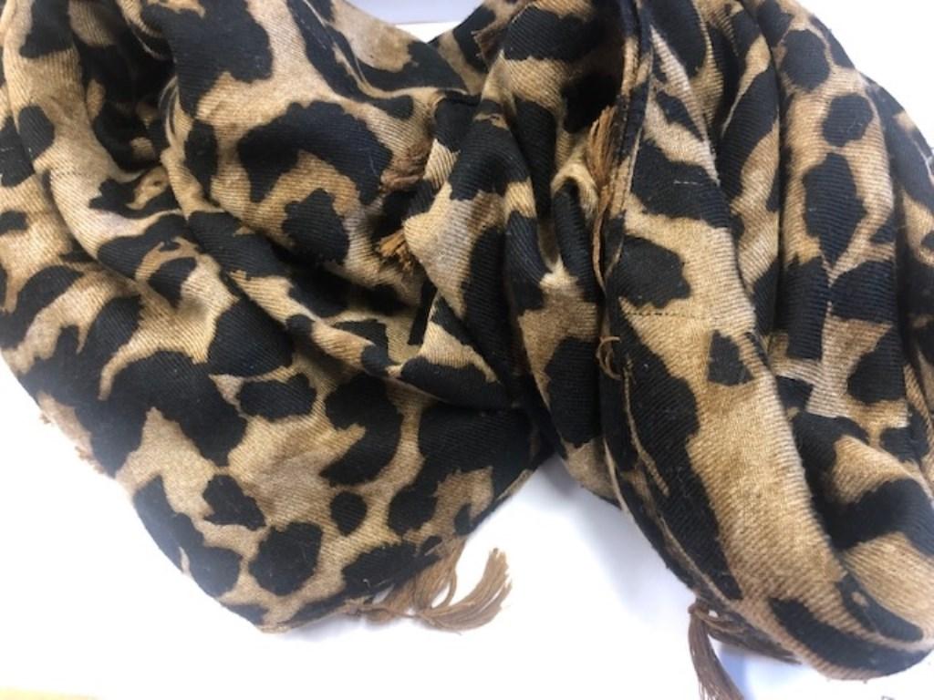 Sjaal met panterprint  © deMooiLaarbeekkrant