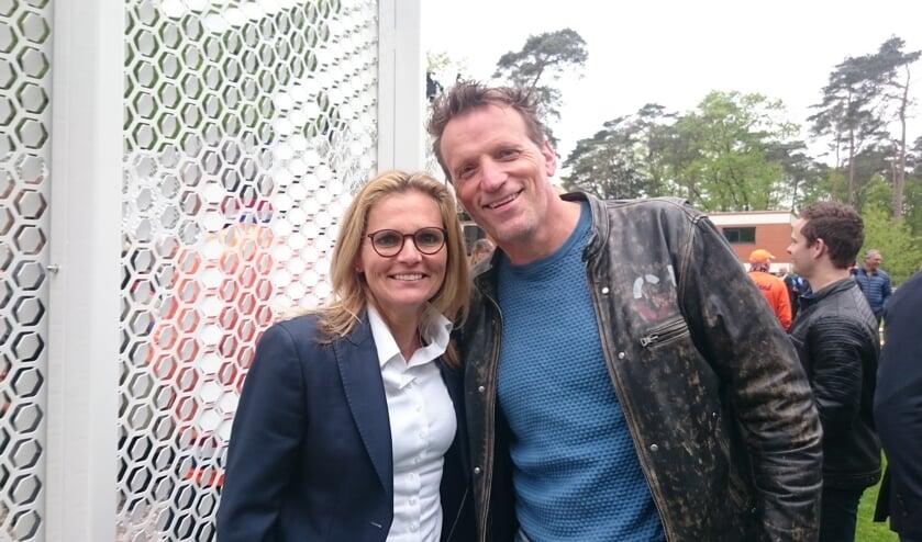 Sarina Wiegman (bondscoach Nederlands vrouwenelftal) met Jan de Jong   | Fotonummer: dce637