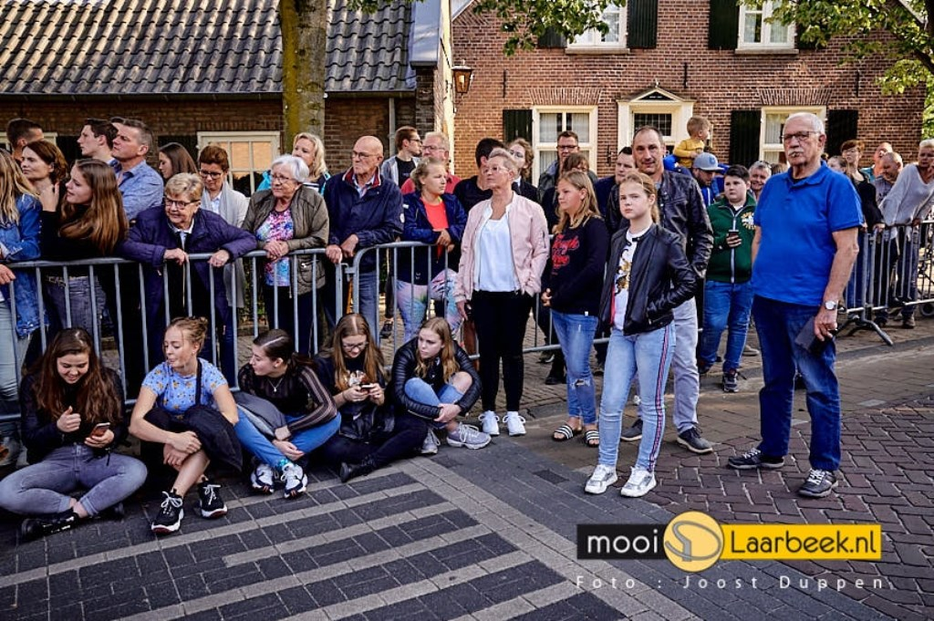 eindejaarsgala examenkandidaten van commanderij college in beek en donk Foto: Joost Duppen © deMooiLaarbeekkrant