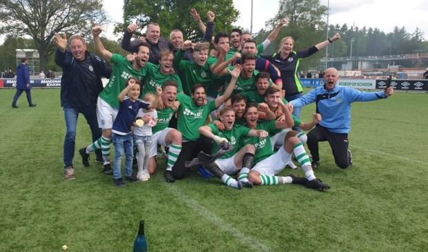 Sparta'25 viert het kampioenschap   | Fotonummer: cb606b