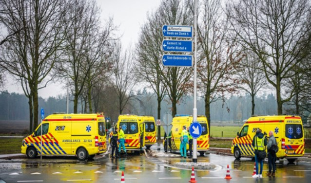 Op de kruising N615/Deense Hoek gebeuren regelmatig ongelukken     Fotonummer: 0c65ed