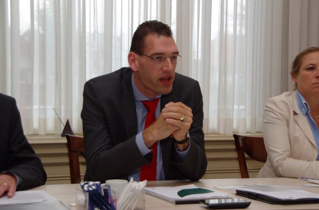 Wethouder Den Boer bij de presentatie van de begroting in 2014.   Archieffoto Willemien Timmers  © uitgeverij Verhagen