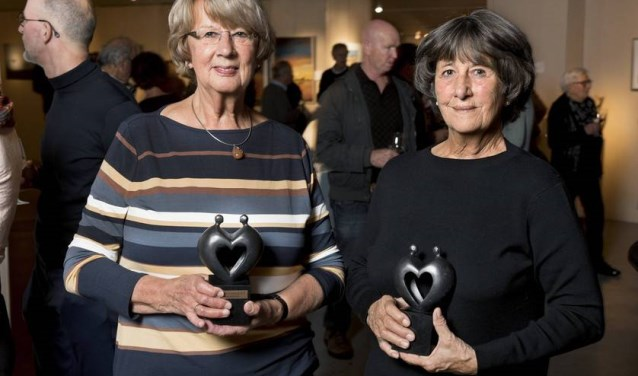 Winnaressen Magda de Groot (l) en Goke Leverland. | Foto: PR