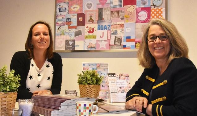 Links Erna Bovenkamp en rechts Mathilde van Dorp.