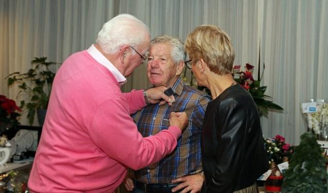 Gerrit de Mooij was blij verrast door de erespeld.