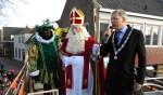 Sinterklaas geniet van warm welkom in de Hoftuin