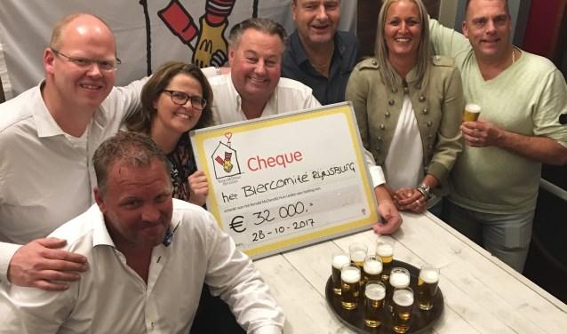 V.l.n.r.: Johan van Tilburg, Cor Kralt, manager Nancy Haanappel, Roel de Mooij, Nicolien Kralt en Ronald van Nieuwkerk.