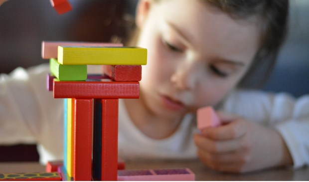 Voor gezinnen die wel een steuntje in de rug kunnen gebruiken is er de actie Goedzak: gratis een tas vullen met speelgoed.