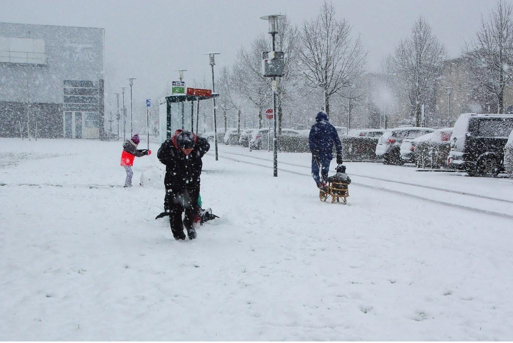 Winterse taferelen in Poelgeest. | Foto Willemien Timmers  © uitgeverij Verhagen