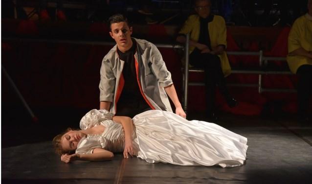 Citaten Uit Romeo En Julia : Rijnlands lyceum speelt mooie en herkenbare romeo julia