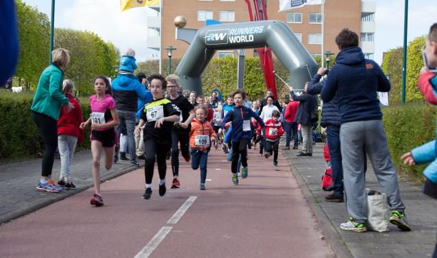 Ook bij de twee kilometerloop is een goede start van groot belang als je wilt winnen. | Foto Wil van Elk