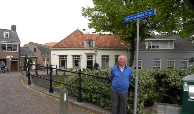 Zo'n 45 jaar heeft Gerrit van der Meij loten verkocht voor de Paardenmarkt Rijnsburg.   Foto: CvdS.