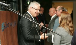 Waarnemend burgemeester Frank Koen neemt vanavond afscheid.