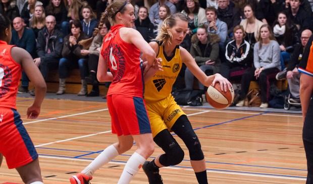 Sharon Beld was topscorer met 14 punten tegen Loon Lions.   Foto: Geert Bekker