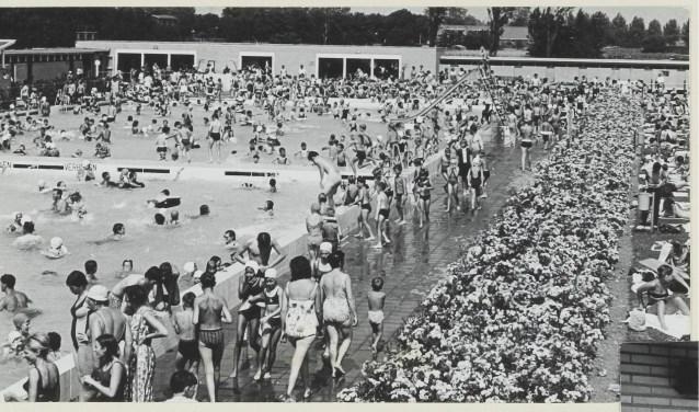 Zwembad De Does : Nieuwe glijbaan zwembad de does youtube