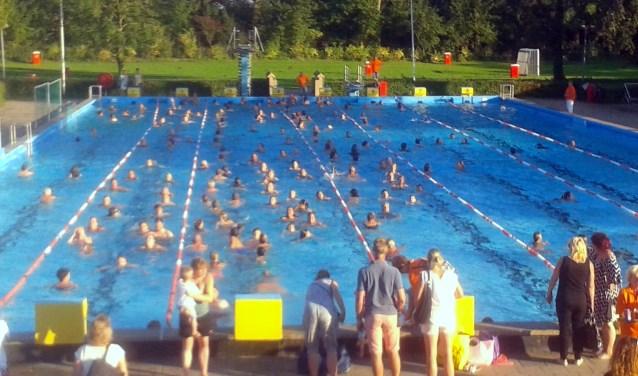 De zwemvierdaagse in zwembad de Vliet | Archieffoto: PR