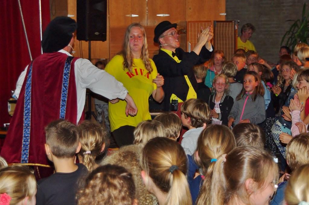 Theatervoorstelling 'Professor Eureka' van Van Ravensteijn Theater en Events.  © uitgeverij Verhagen