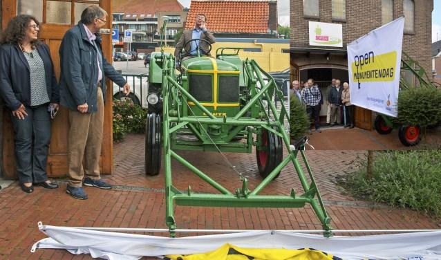 Wethouder Jeroen Vereheijen verricht de openingshandeling in stijl. | Foto: pr