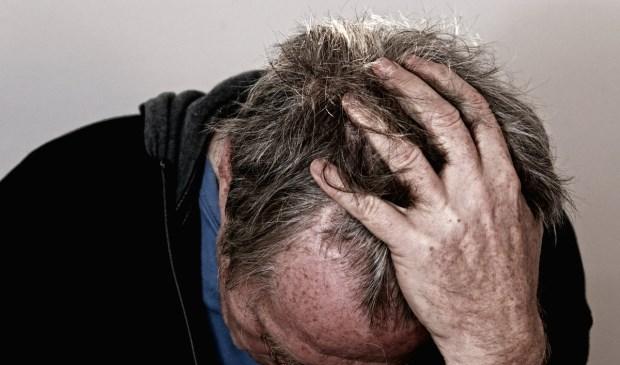Bij een bipolaire stoornis wisselen manies en depressies elkaar af.