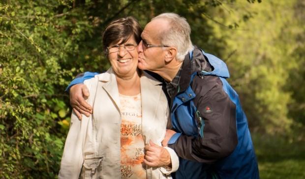 Zoek je een vriend of vriendin, voor zo maar een dagje uit, of voor meer dan alleen vriendschap? Doe dan mee aan de speeddate voor 60-plussers!