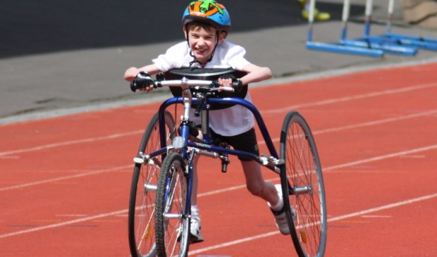 Met de racerunner kunnen atleten met een handicap toch hardlopen.