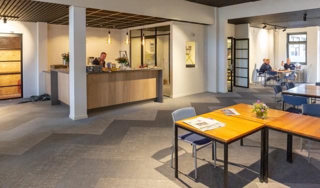 Het vernieuwde Dorpscentrum gaat  straks laagdrempelige gesprekken organiseren aan de leestafel in de nieuwe centrale ontmoetingsruimte.