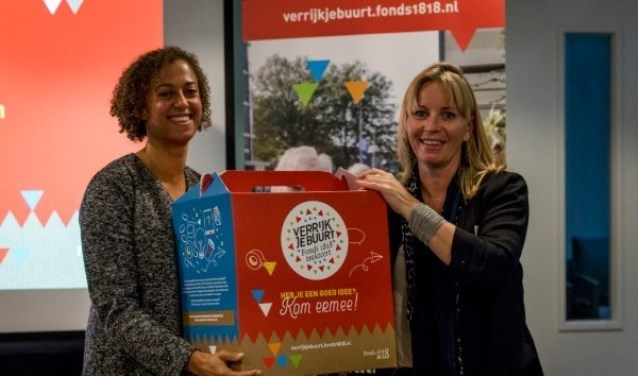 Stacy Dubos (links) en Marjet van Os. | Foto: Valerie Kuypers.