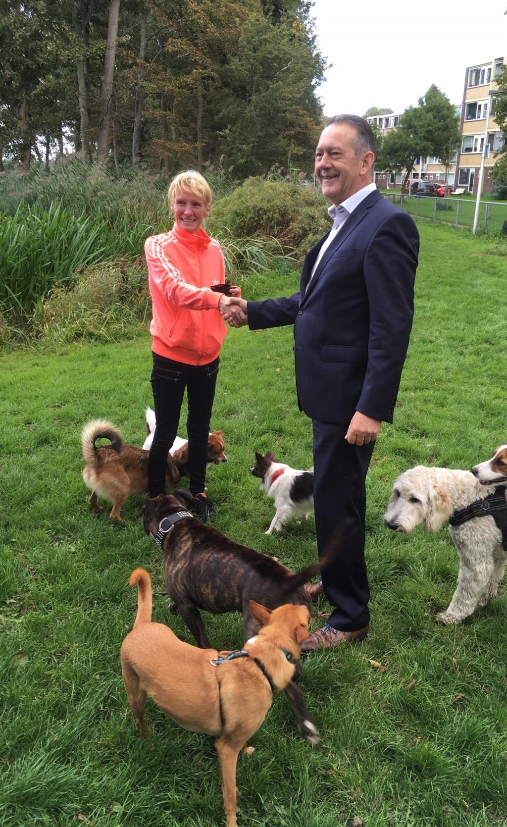 Hondenpoep Opruimen Bekeuring Of Sleutelhanger De Teylinger