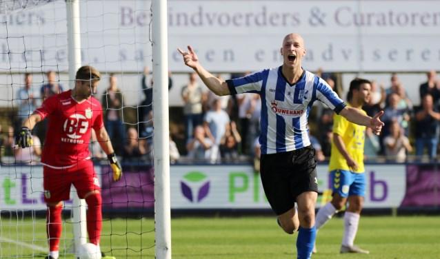 Vreugde bij Jesse van Nieuwkerk van Quick Boys na de 1-0. | Foto: OrangePictures