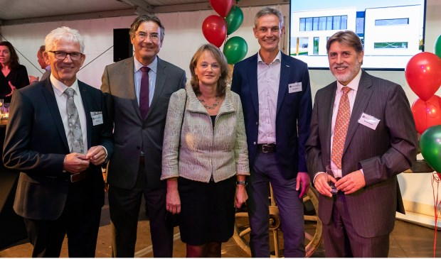 V.l.n.r.: René Vos, Maxime Verhagen, burgemeester Lies Spruit, John Moors, Michael Draijer