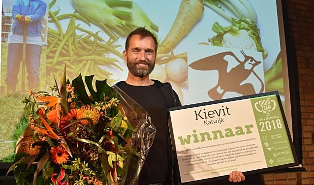 Sebastiaan Bos van Kievit won de Duurzaamheidsprijs Duin & Bollenstreek. | Foto: Piet van Kampen