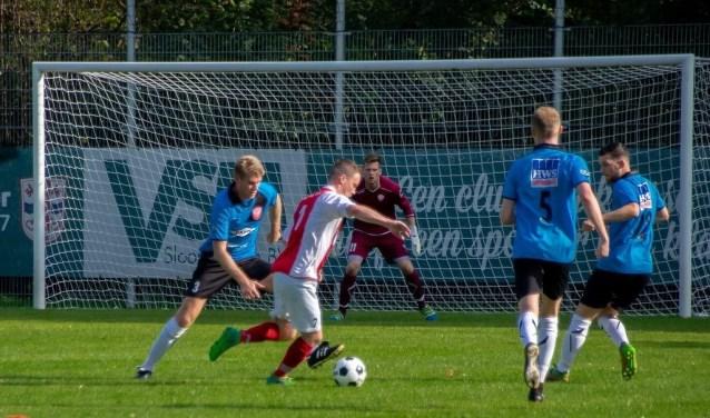 Michael Schouten in de aanval voor RCL.